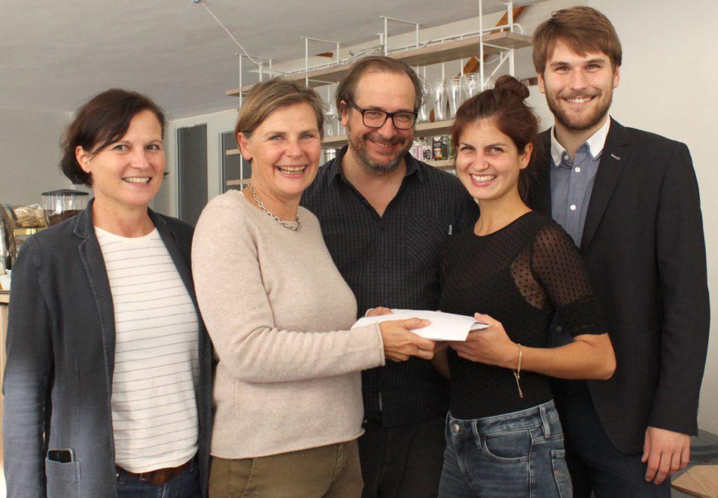 Spendenübergabe-Musikhochschule